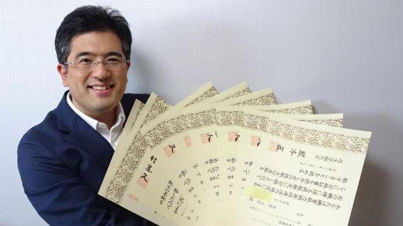 「ふぃなぱずFP講座」のすべてを作り上げた、FP有賀先生
